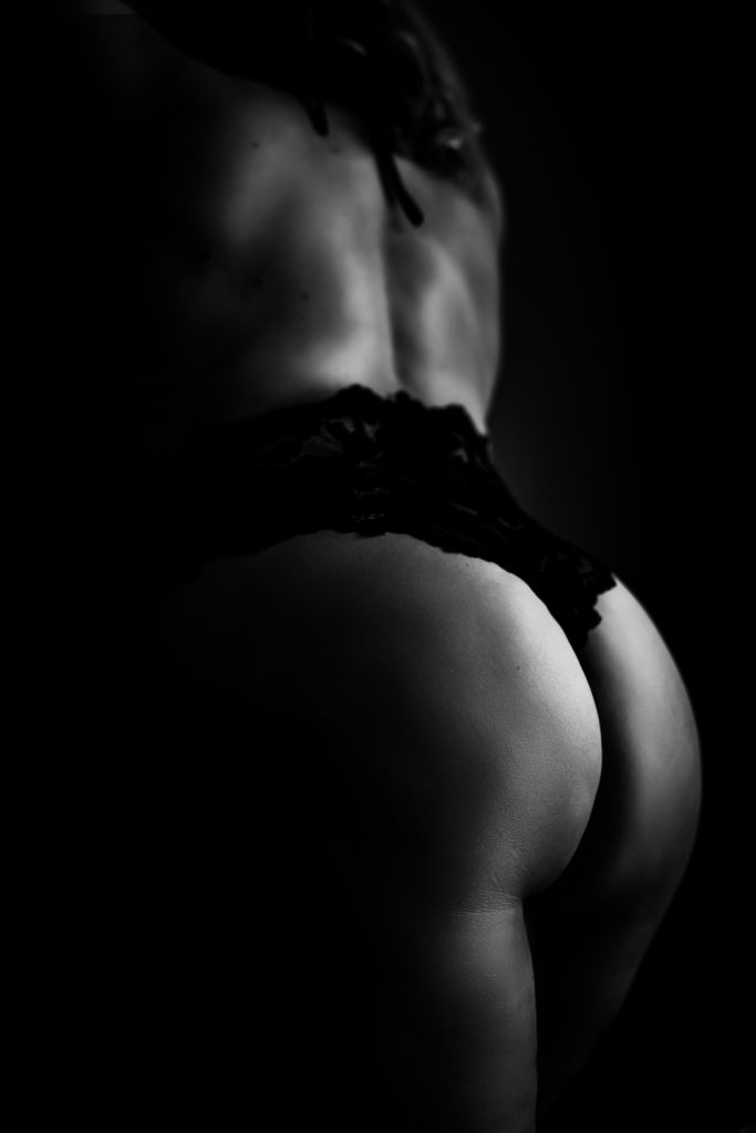 leesburg virginia boudoir black and white boudoir photo