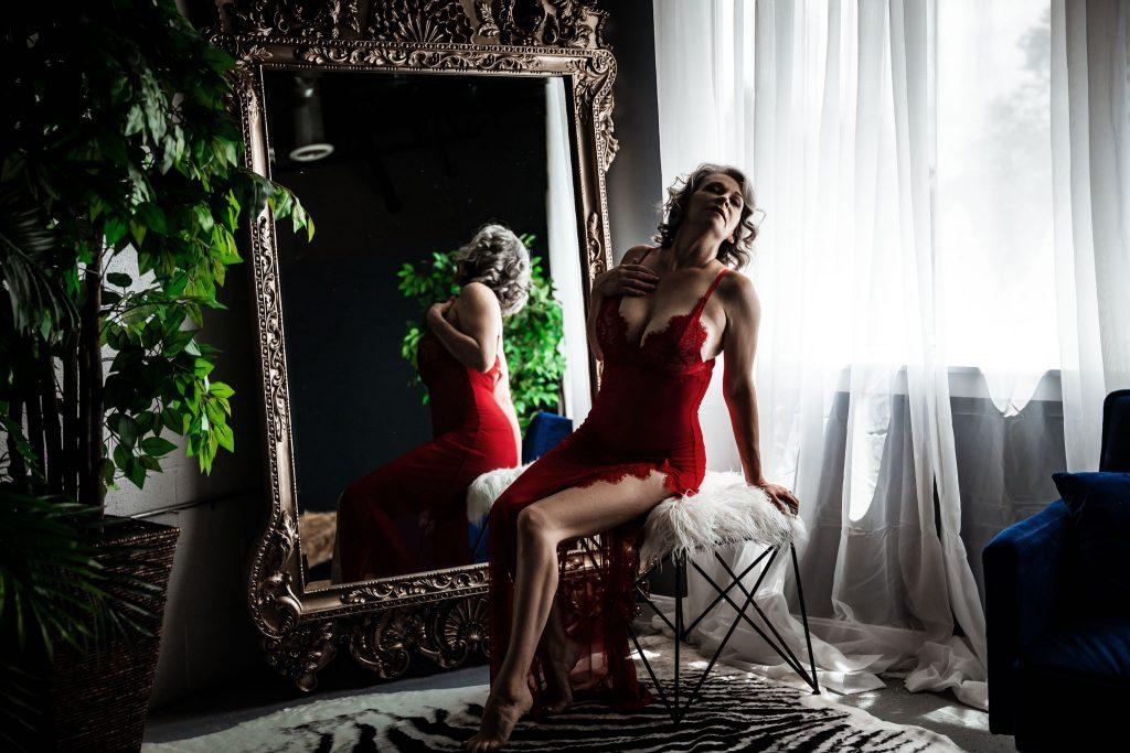 classy boudoir photo in loudoun county virginia